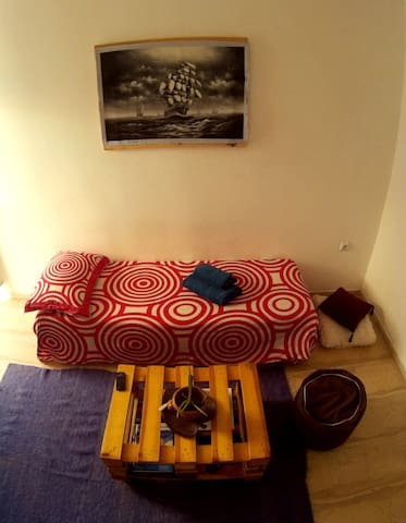 Cozy & comfortable room near everything you need. - Patra - Appartement