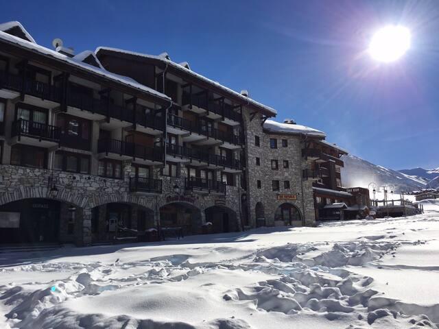 Duplex 60m2 skis aux pieds, ideal ! - Val-d'Isère