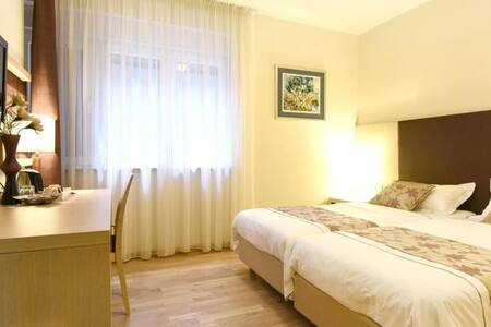 Scallop Rooms - Twin Room - Zadar