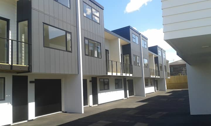 Central Studio Flat at Mount Maunganui