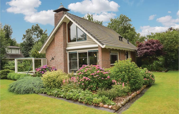 Holiday cottage with 3 bedrooms on 75m² in Zorgvlied