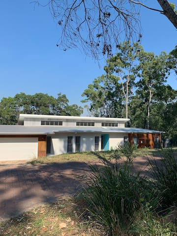 Situated in a quiet col-de-sac in Country Coolum Estate.