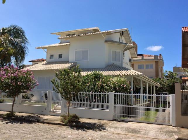 Casa Azul Ingleses - Florianópolis - House