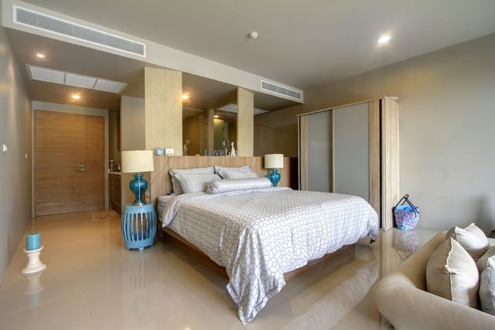 Luxury apartment with POOL access - Karon