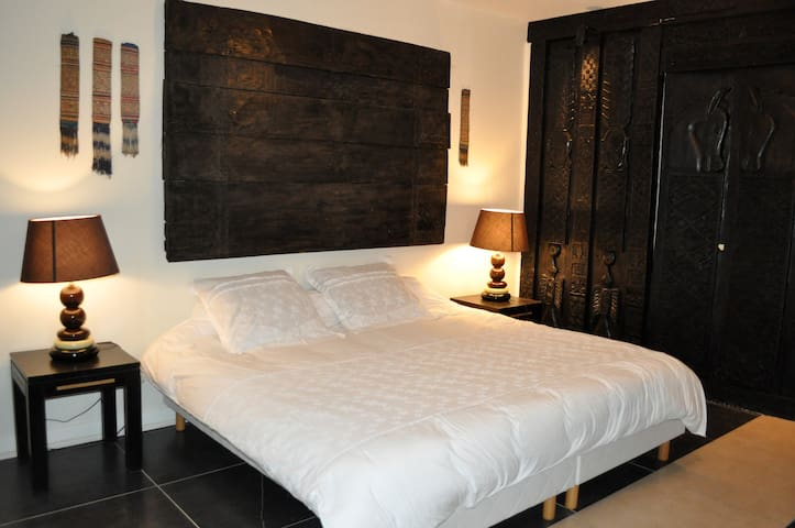 Superbe chambre en centre ville b and b - Bergerac - Bed & Breakfast
