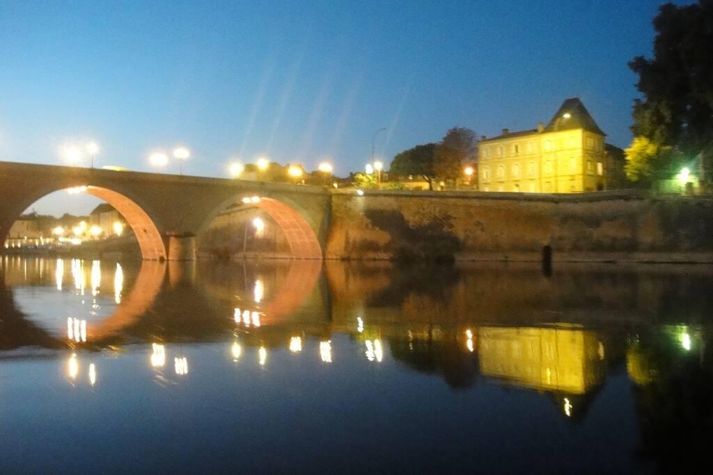 En centre ville bord de Dordogne