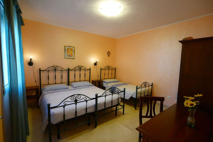 Apartment at 1 km from the beaches