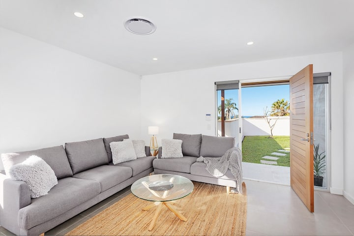 Wamberal Beach House