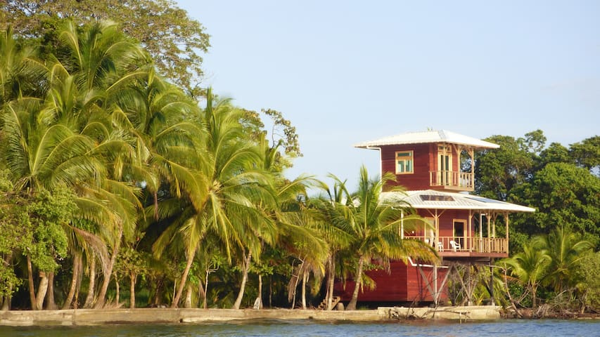 Private Mango @Ecohouse for snorkeling lovers!
