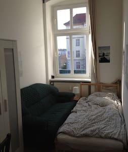 Single bed room Prenzlauer Berg - Berlijn