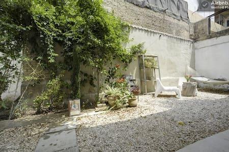 Gardenin' #3-Funky room in a yard - Tel Aviv-Yafo
