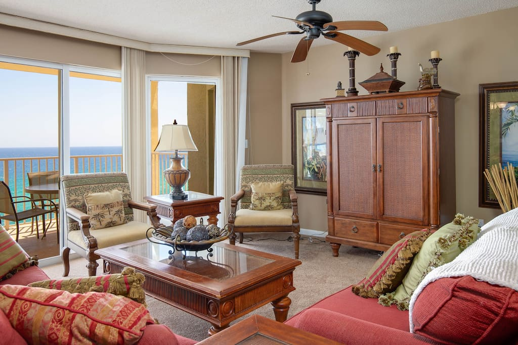 This 11th floor vacation condo has views of all that makes Panama City Beach absolutely stunning