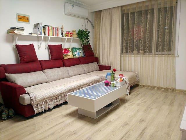 大连评价最好的民宿-华南商业圈 近华南广场地铁站 舒适的民宿 交通便利