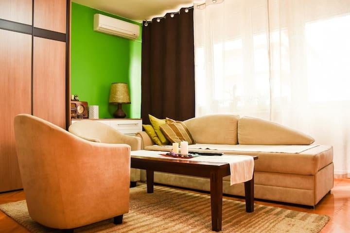 D13 Apartment