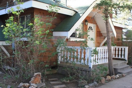 Cozy Cabin Close to Everything - Lac Big Bear
