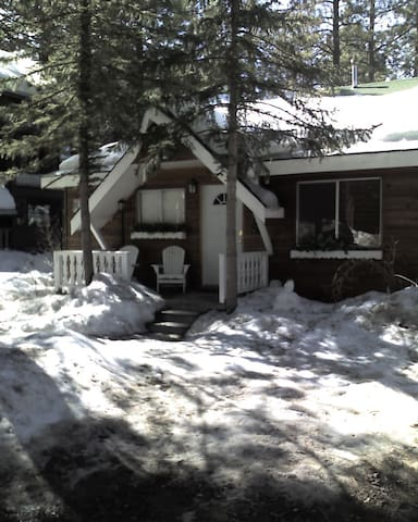 Cozy Bear Belle Cabin - Close to Everything - Big Bear Lake