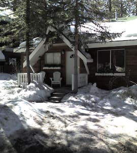 Cozy Bear Belle Cabin - Close to Everything - Big Bear Lake - Kabin