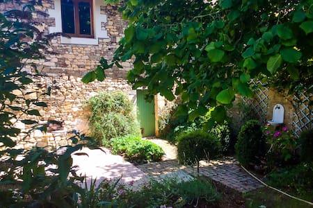 Hirondelle Gite @ Manoir Savonniere - Les Verchers-sur-Layon - Loft