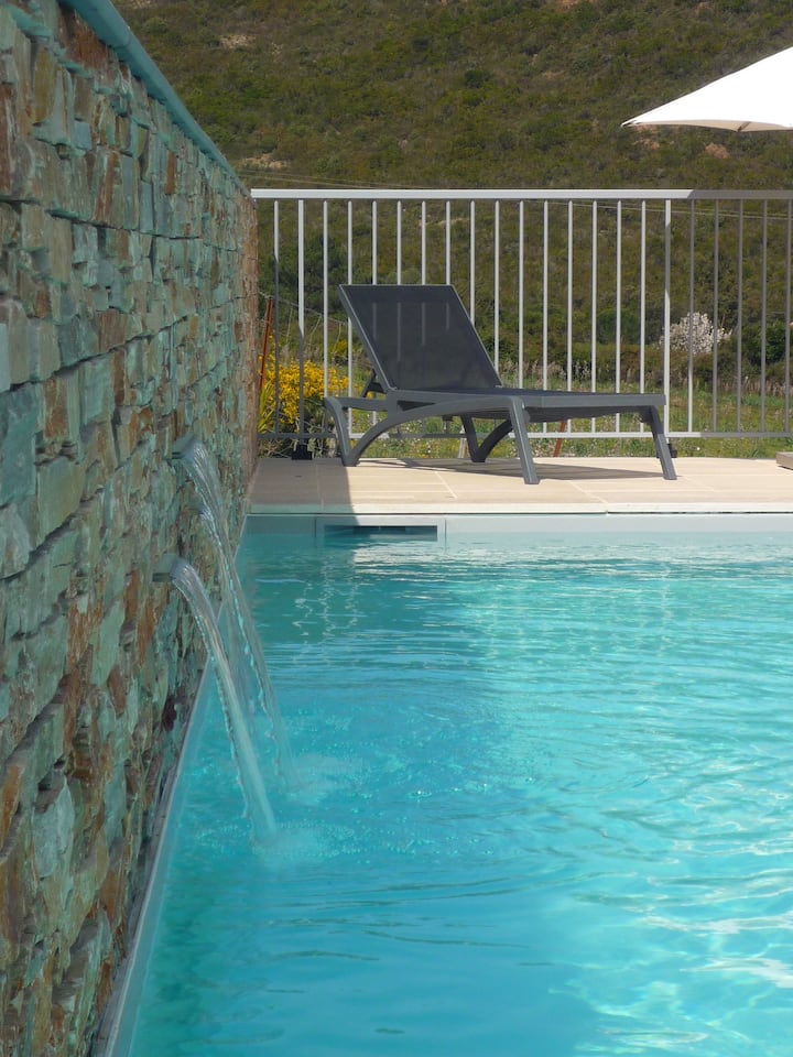 Apparts 2 chambres wifi piscine chauffée  4 pers