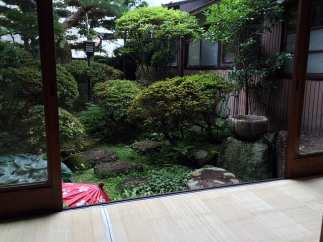 Kagura&Murasaki 3 神楽Japanese style Room3 - Takayama-shi - Bed & Breakfast