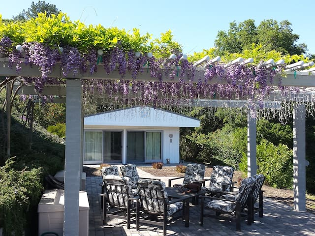 1 Bdr Cabana just west of Stanford - Portola Valley - House