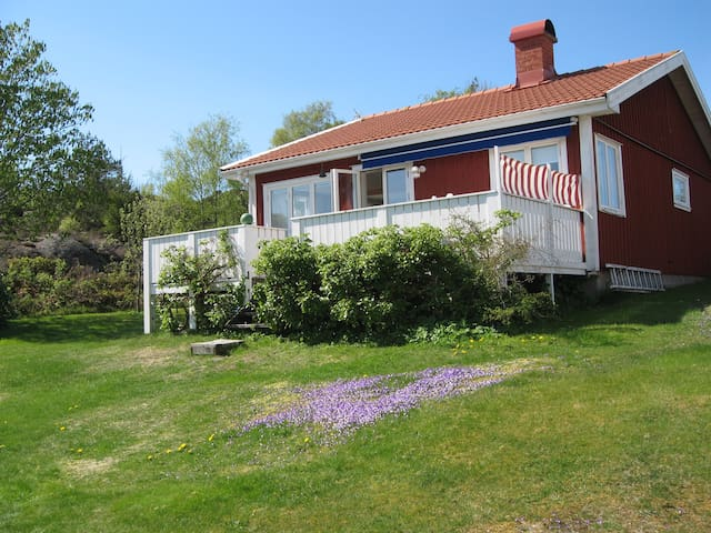 Cosy cottage by the sea. - Lysekil - Dom