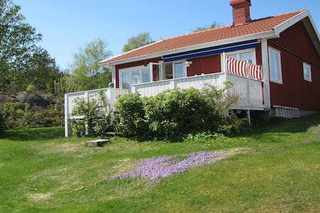 Cosy cottage by the sea. - Lysekil - Hus