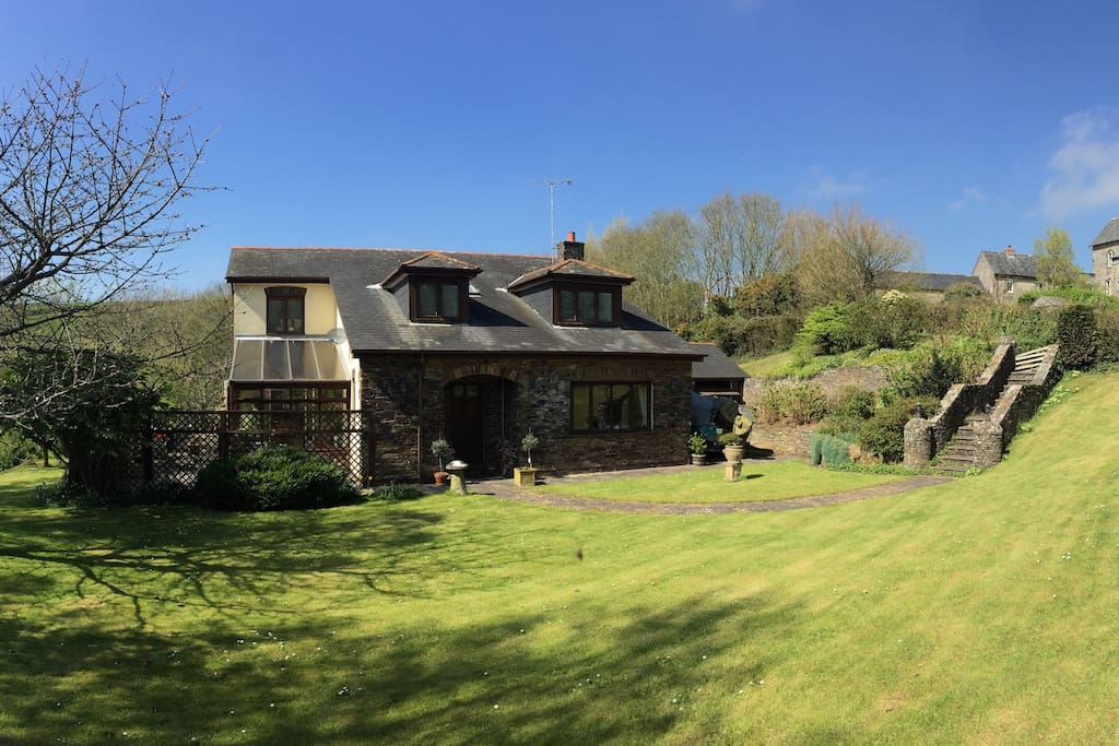 Orchard house b b bed and breakfasts for rent in for Kingsbridge house