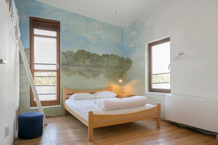 Floating 4 bed rooms - La Familia