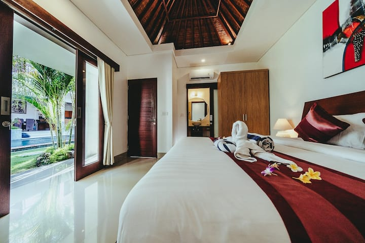 Bright & spacious room with king bed and nature #2