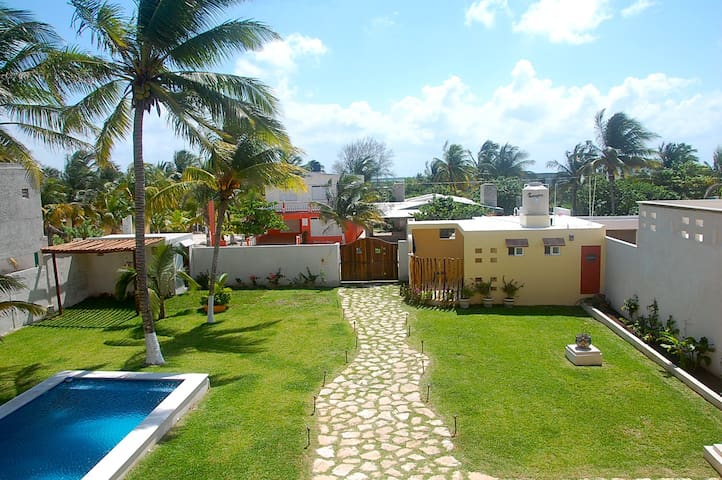 B&B Flamingos Inn Bungalow - Progreso - House