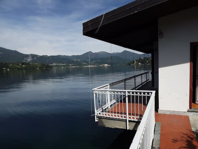 waterfront cottage on lake Orta