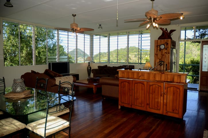 Rosecliffe Tree Tops - Nature Retreat & Farm Stay