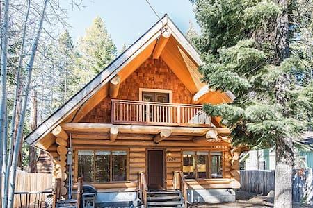 Tahoma 4BR3Ba Log Cabin 2 story - Tahoma