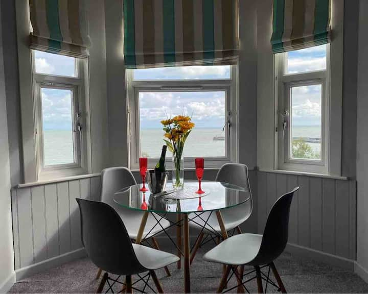 'Once upon a Tide' - a luxury sea view escape