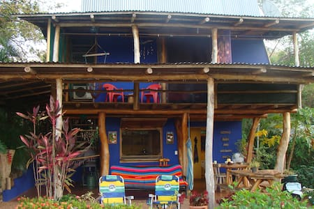 Our ranchito is just about the greatest place place on earth! Astounding views of the ocean, a tranquil and cultural Costa Rican village life, tropical surroundings, and a comfortable, well-equipped house with internet and TV. In short: paradise.