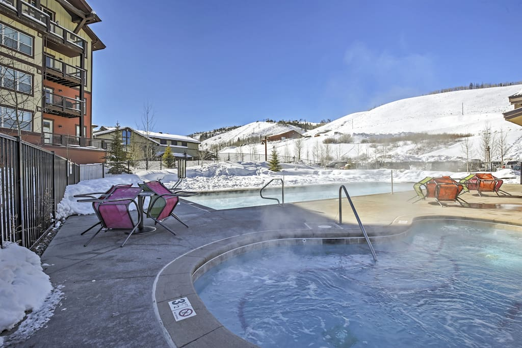Look forward to spending your evenings in the community hot tub.