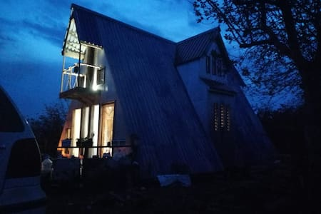 Üçgen Dağ evi