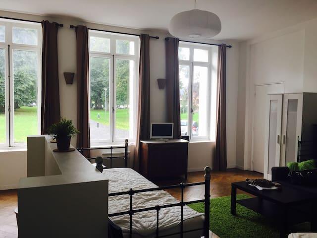 Grand studio au sein du château de Pretreville - Gonneville-sur-Honfleur - Apartment