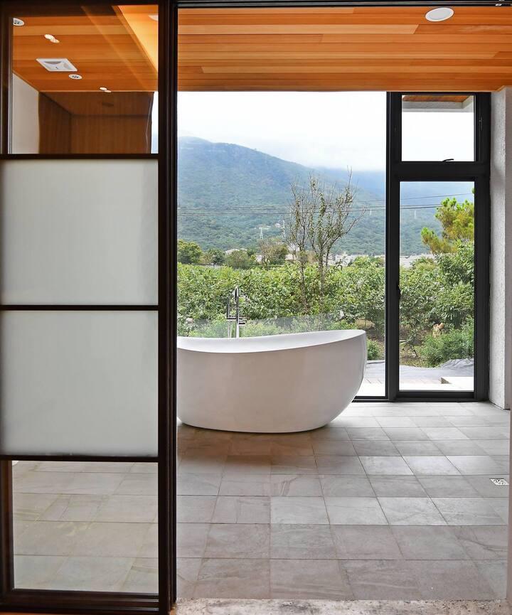 雲松居花園民宿 山景浴室 清水模簡約裝潢,大浴缸,無敵山景