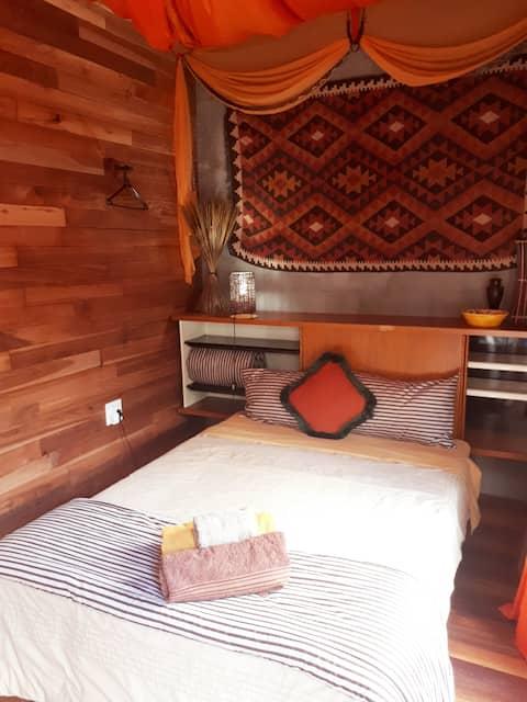 Guineyfowl room on suite
