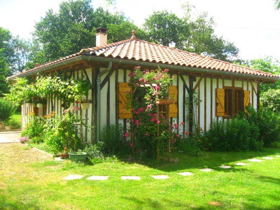 Vous r veiller en pleine nature maisons louer for Maison en pleine nature