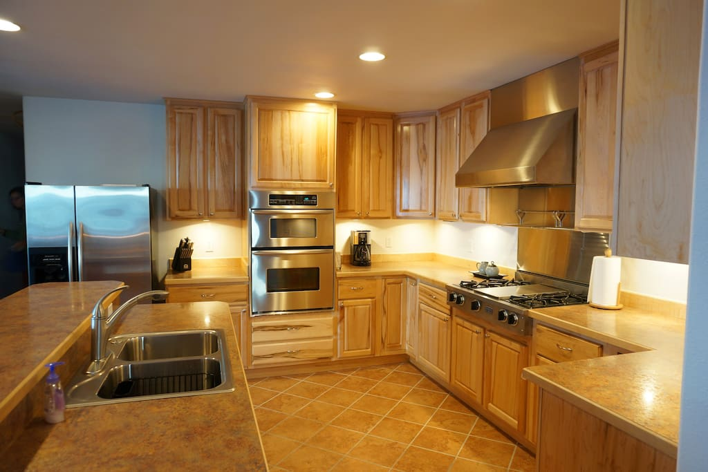 Fully stocked Commercial grade kitchen