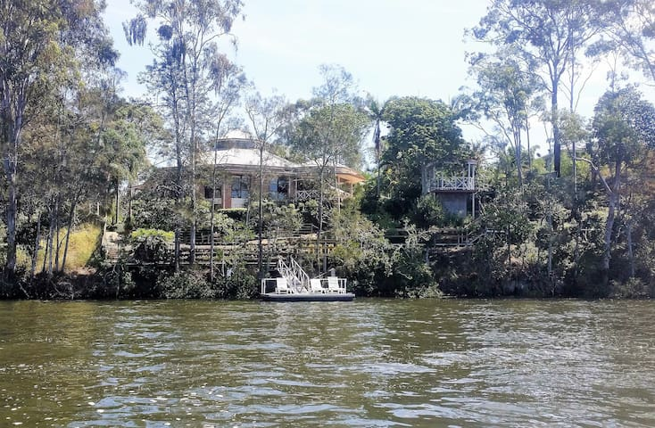 River view 1 bed Apartment, close to Theme Parks - Upper Coomera - Apartamento