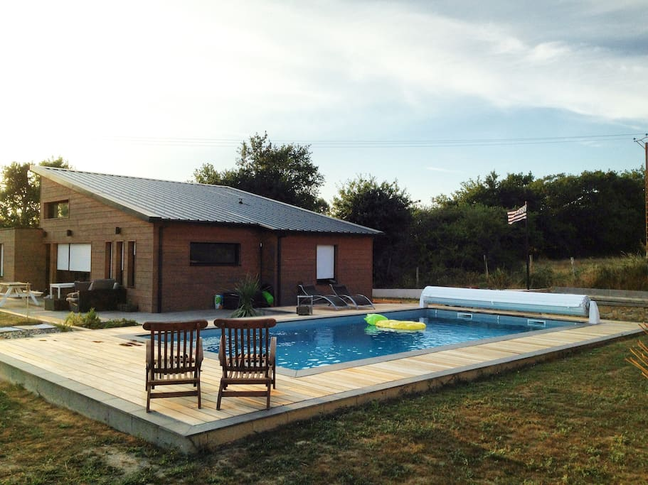 Maison en bois avec piscine houses for rent in le for Piscine bois france