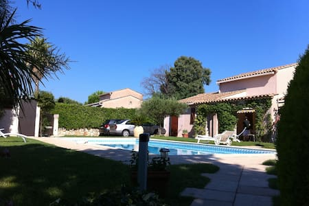 villa,private pool, 150m from beach - Grimaud - Haus