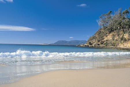 Beach holiday accommodation - Spring Beach