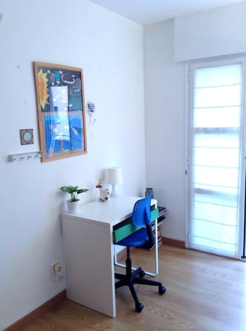Cosy room with private bathroom apartments for rent in for Gimnasio illes