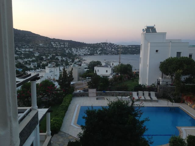 Villa with Excellent View and Pool Close to Beach - Bodrum - Villa