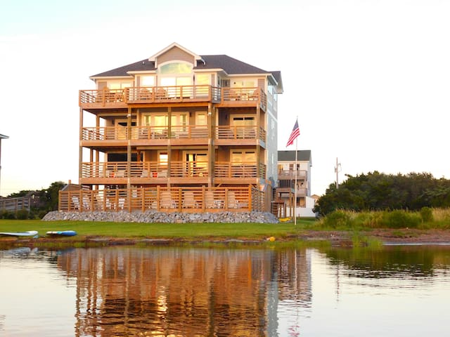 Waterfront Pamlico Sound Luxurious Resort Home